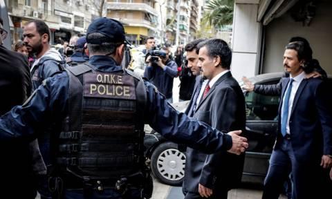 Τούρκος πρέσβης για τους «8»: Να μην λειτουργεί η Ελλάδα ως όργανο ατιμωρησίας (vid)
