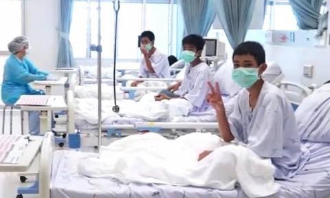 Ταϊλάνδη: Τα 12 παιδιά θρηνούν για τον εθελοντή δύτη που πέθανε προσπαθώντας να τους σώσει