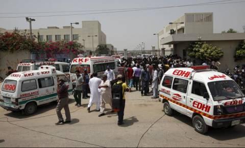 Πακιστάν: Τους 149 έφτασαν οι νεκροί της επίθεσης βομβιστή - καμικάζι σε προεκλογική συγκέντρωση