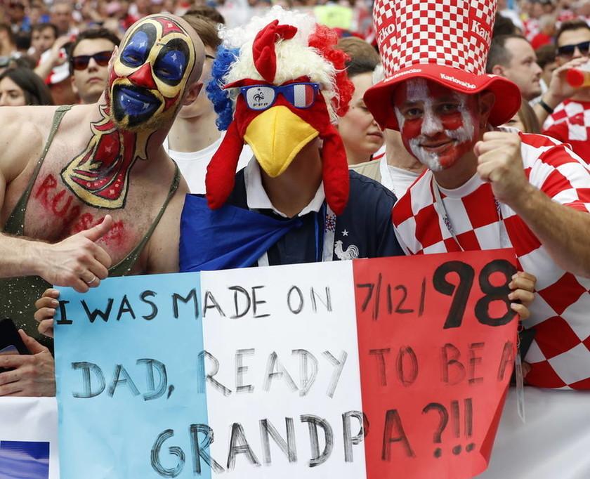 Μουντιάλ 2018: Στον έβδομο ουρανό οι «τρικολόρ» - Η Γαλλία ξενύχτησε μετά το 4 - 2 επί της Κροατίας