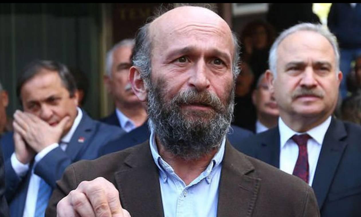 Τουρκία: Αθωώθηκε ο δημοσιογράφος Ερντέμ Γκιούλ