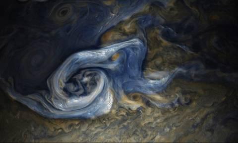 Δέκα νέα φεγγάρια του Δία εντόπισαν οι αστρονόμοι (Pics)