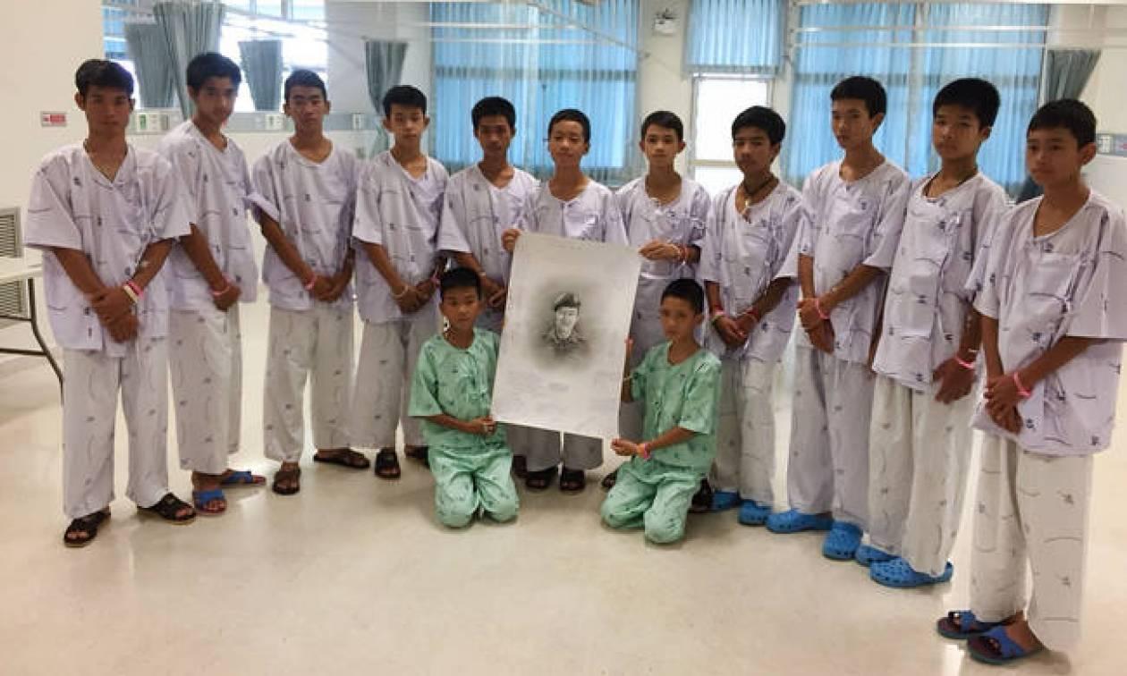Ταϊλάνδη: Βγαίνουν στον «έξω» κόσμο τα 12 παιδιά του σπηλαίου – Τι φοβούνται οι ψυχολόγοι