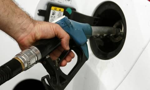 «Φωτιά» η βενζίνη: Δείτε σε ποιες περιοχές ξεπέρασε τα 2 ευρώ το λίτρο (ΠΙΝΑΚΕΣ)