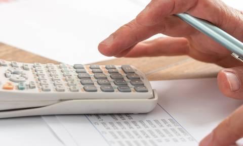 «Τσουνάμι» φόρων το επόμενο εξάμηνο: Πώς θα πληρώσετε τους φόρους σε δόσεις