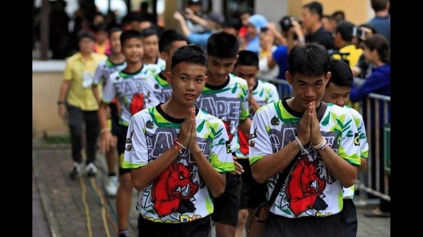 Συγκλόνισαν οι «Αγριόχοιροι» της Ταϊλάνδης: «Πίναμε νερό μόνο από τους σταλακτίτες»