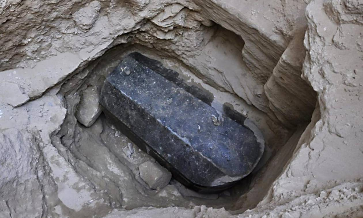 Αίγυπτος: Ανοίγει η «καταραμένη» γρανιτένια σαρκοφάγος - Ποιο μυστικό «κρύβεται» μέσα της