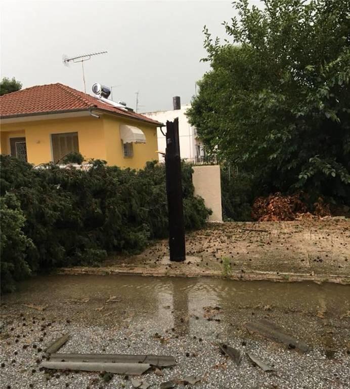 Η κακοκαιρία «χτύπησε» Ξάνθη και Καβάλα: Πρωτοφανείς εικόνες με πλημμύρες και ζημιές (vid+pics)