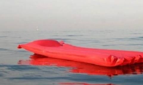 Θεσσαλονίκη: Απρόσεκτοι τουρίστες παρασύρθηκαν με το φουσκωτό στρώμα από τον αέρα