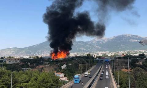 Μεγάλη φωτιά κοντά στον Κηφισό – Αποκλειστικές εικόνες του Newsbomb.gr