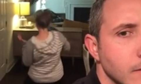 Κατέγραφε κρυφά το χορό της συζύγου του. Οταν εκείνη τον κατάλαβε... (video)