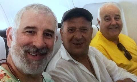 Γέλιο μέχρι δακρύων: Ο Φιλιππίδης και ο θίασος του Αχαρνής τραγουδούν τη Μάντισσα της Μαρίνας Σάττι