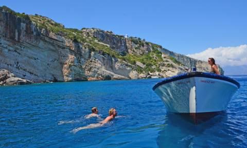 Ζάκυνθος: Αποσύρθηκαν όλες οι γαλάζιες σημαίες του νησιού – Έλεγχοι για την ποιότητα των υδάτων
