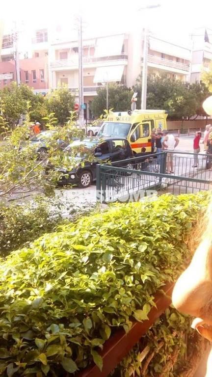 Τροχαίο με έναν τραυματία στο Μοσχάτο (pics)