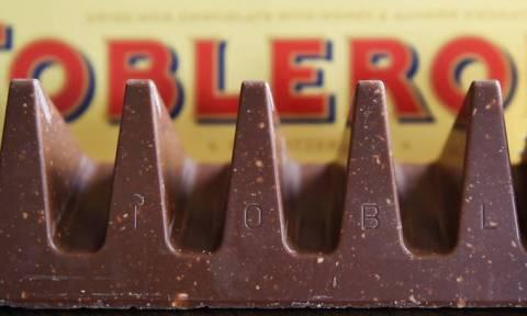 Αυτό είναι νέο για όσους αγαπoύν την Toblerone! Δείτε πώς θα την τρώτε πλέον!