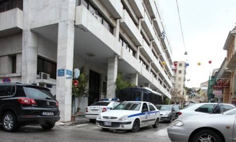 Πάτρα: «Θρίλερ» με 62χρονο που απειλεί να αυτοκτονήσει με καραμπίνα