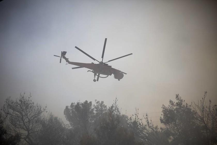 Φωτιά ΤΩΡΑ στην Κινέτα: Εγκλωβισμένη στις φλόγες τετραμελής οικογένεια