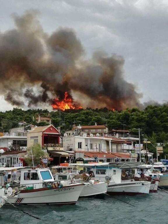 Φωτιά τώρα: Συναγερμός για νέο πύρινο μέτωπο στον Κάλαμο