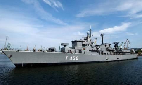 Πολεμικά πλοία στο Ζούμπερι για να παραλάβουν εγκλωβισμένους πολίτες