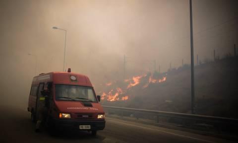 Φωτιά Κινέτα: Τροποποιήσεις και ακυρώσεις δρομολογίων ΚΤΕΛ και ΟΑΣΑ λόγω της πυρκαγιάς