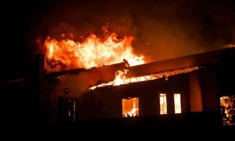 Φωτιά ΤΩΡΑ: Νεκρό βρέφος στις φονικές πυρκαγιές της Αττικής