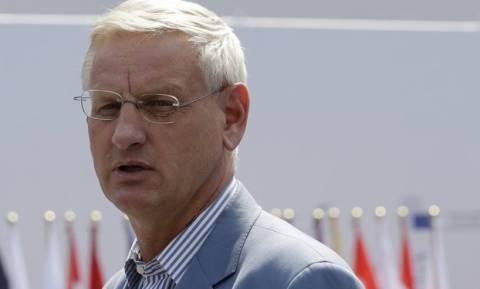 Карл Бильдт: Европа помогает Греции. Снова