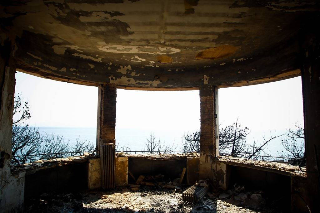Φωτιά Μάτι: Το οικόπεδο του θανάτου - Εδώ βρήκαν τραγικό θάνατο 26 άνθρωποι (pics)
