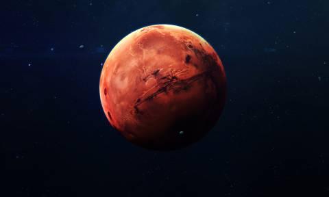 Βρέθηκε τεράστια λίμνη με νερό στον Άρη