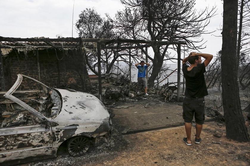 Φωτιά Αττική: Μεσίστιες κυματίζουν οι σημαίες στην Κομισιόν σε ένδειξη πένθους για την Ελλάδα