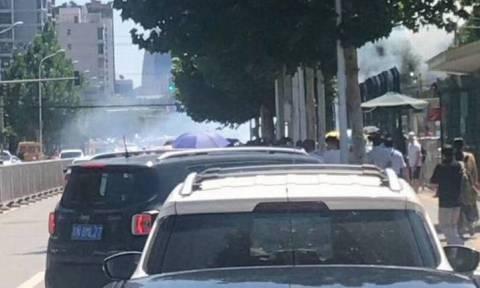 Συναγερμός στο Πεκίνο: Ισχυρή έκρηξη έξω από την αμερικανική πρεσβεία