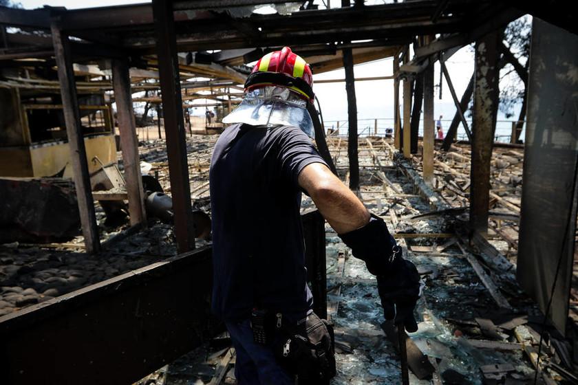 Πύρινος φονικός όλεθρος: Στους 84 οι νεκροί από τις φονικές πυρκαγιές στην Αττική (pics-vid)