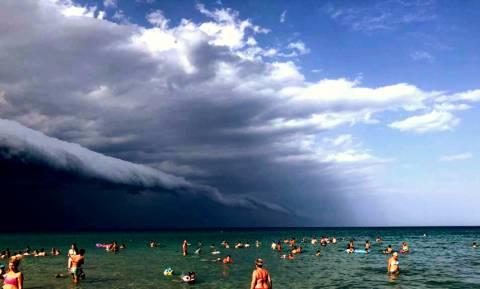 Το εντυπωσιακό φαινόμενο πριν την καταιγίδα που καταγράφηκε στην Πιερία