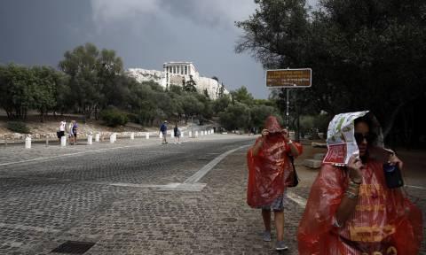 Καταιγίδα στην Αττική: Κλειστός ο σταθμός του Μετρό στην Πανόρμου