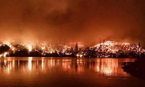 «Κόλαση» φωτιάς στην Καλιφόρνια: Τουλάχιστον πέντε νεκροί από τις πυρκαγιές (Pics+Vids)