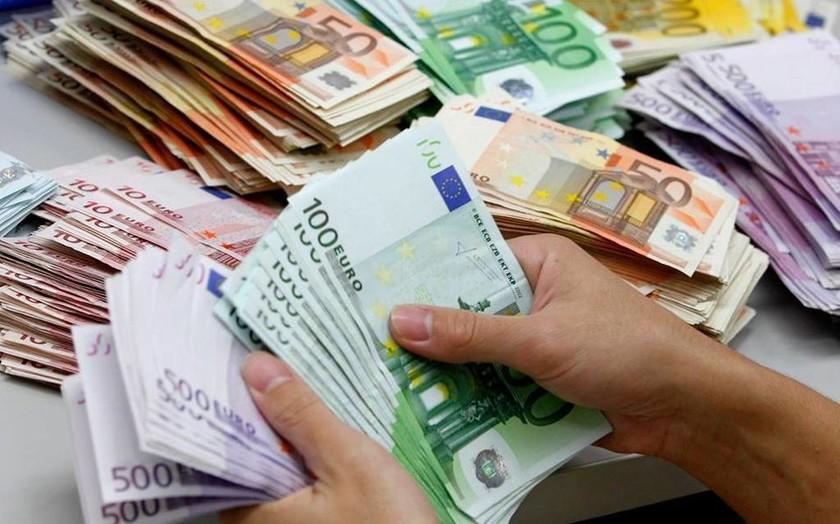 Εφορία: Ποια περιουσιακά στοιχεία μπορεί να κατασχέσει -  Πώς θα προστατευτείτε