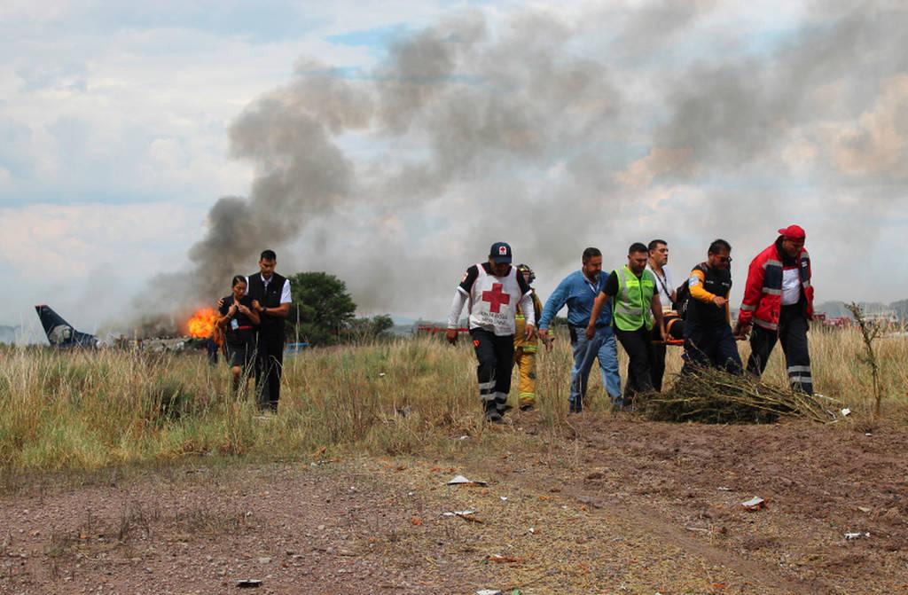 Θαύμα στο Μεξικό: Βγήκαν ζωντανοί όλοι οι επιβάτες μετά από συντριβή αεροσκάφους
