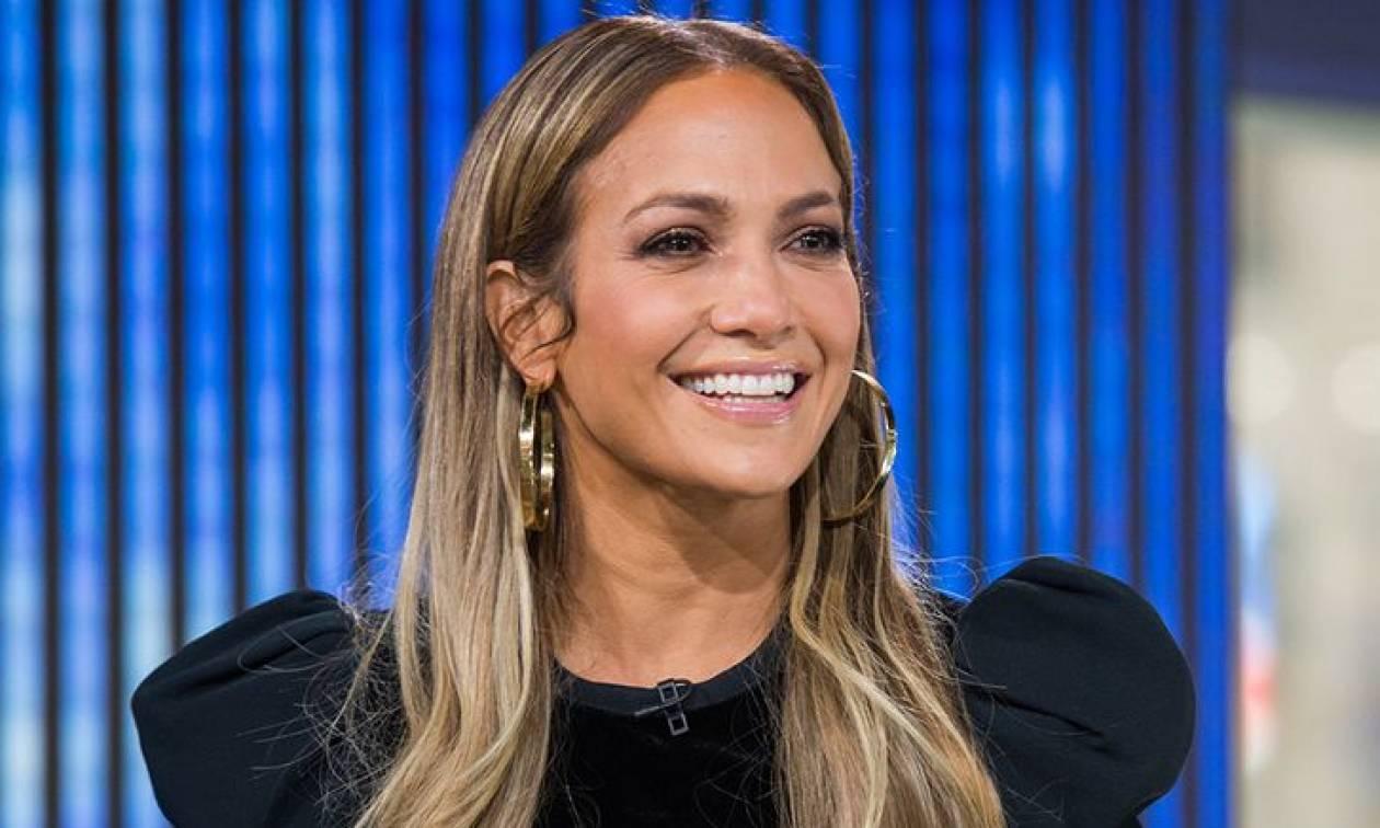 Η Jennifer Lopez φόρεσε τις πιο εκκεντρικές μπότες που έχεις δει