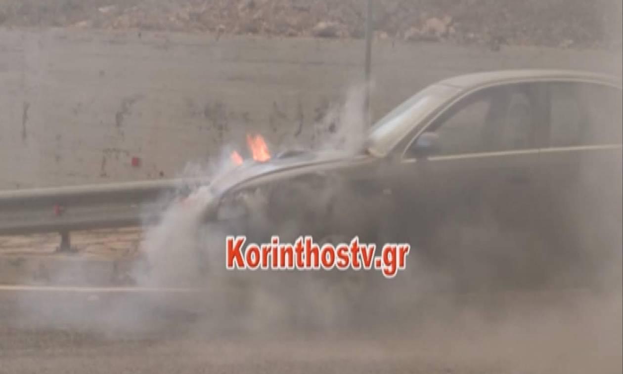 Φωτιά ΤΩΡΑ: Πανικός στην Αθηνών – Κορίνθου! Αυτοκίνητο τυλίχθηκε στις φλόγες