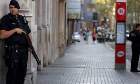 Ασύλληπτος παραμένει ο «εγκέφαλος» των τζιχαντιστικών επιθέσεων στη Βαρκελώνη