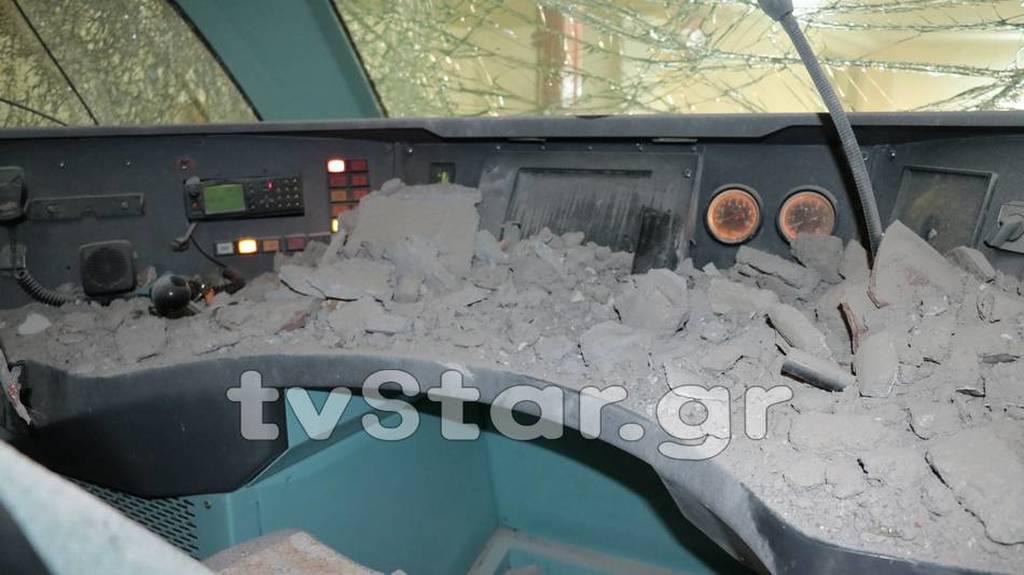 Λαμία: Εκτροχιάστηκε τρένο μέσα στην πόλη – Δύο τραυματίες – Εικόνες σοκ