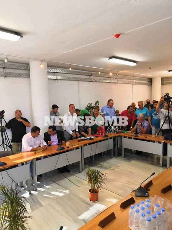 Μαραθώνας: Το Δημοτικό Συμβούλιο της οργής – Κρίνεται η τύχη του Ψινάκη