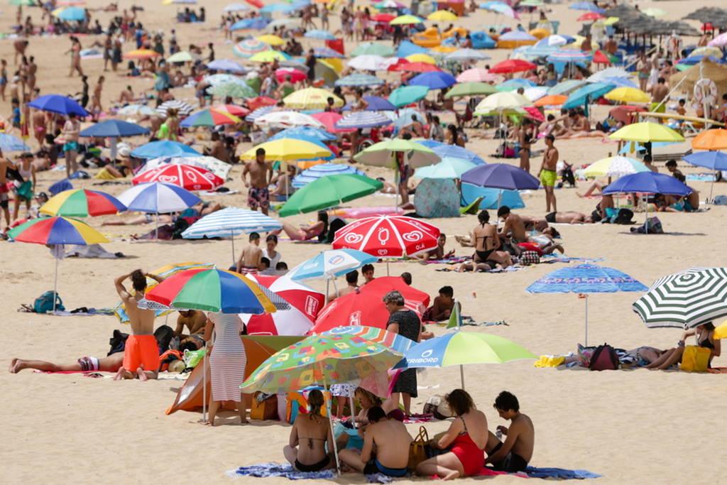 Καιρός: Καύσωνας και πυρκαγιές σαρώνουν την Ευρώπη - Τρεις νεκροί στην Ισπανία (pics+vids)