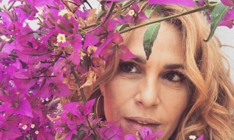 Χωρίς ίχνος make-up και με τζιν σορτς: Η Τζένη Μπότση πιο αδυνατισμένη και όμορφη από ποτέ