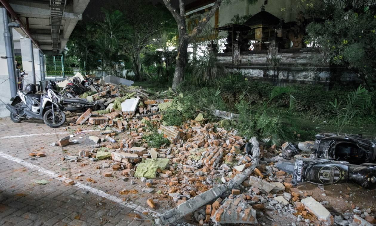 Ινδονησία: Δεκάδες νεκροί και τραυματίες από τον ισχυρό σεισμό (pics+vids)