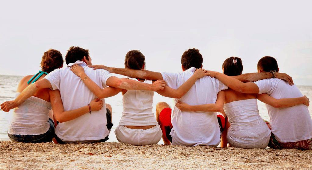 Γιατί λιγοστεύουν οι... πραγματικοί φίλοι και αυξάνονται οι απλοί γνωστοί