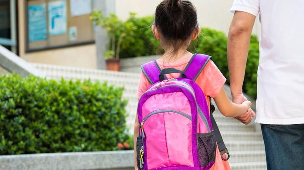 Γαβρόγλου: Εξετάζεται η αλλαγή ωραρίου στα σχολεία - Έναρξη στις 9 το πρωί