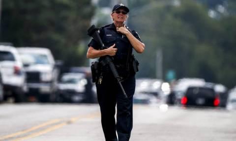 «Κύμα» βίας στο Σικάγο με πέντε νεκρούς και δεκάδες τραυματίες από πυροβολισμούς (vids+pics)