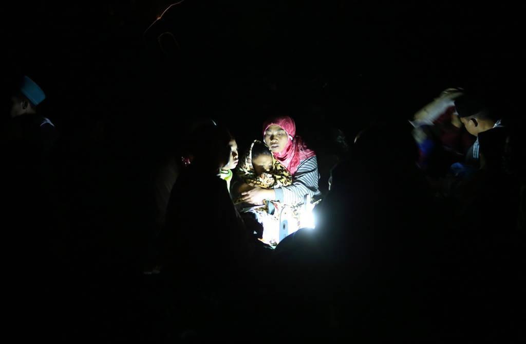 Νέος σεισμός 5 Ρίχτερ ΤΩΡΑ στην Ινδονησία