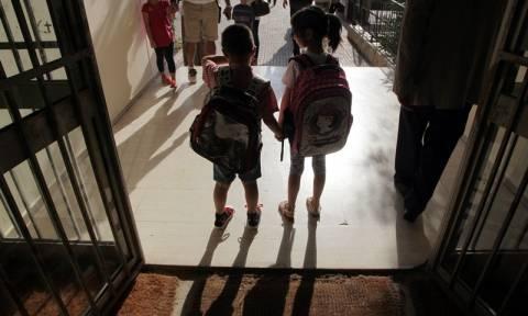 Αλλαγές στα σχολεία: Αυτή την ώρα θα χτυπάει το κουδούνι