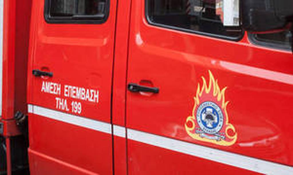 Αυτοκίνητο τυλίχθηκε στις φλόγες στην Ε.Ο. Πατρών-Κορίνθου